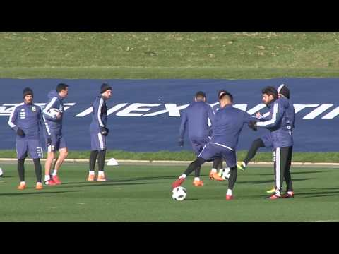 Argentina train in Manchester ahead of Italy friendly