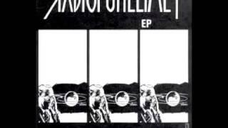 Radiopuhelimet - Hullu Kääpiö