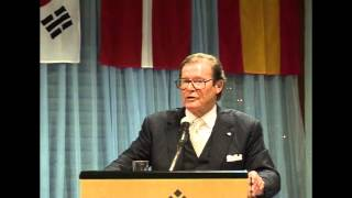 James Bond actor Roger Moore at Les Roches Graduation Ceremony 2006