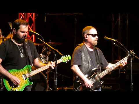 Blue Oyster Cult Burnin For You   at The Rose 2017