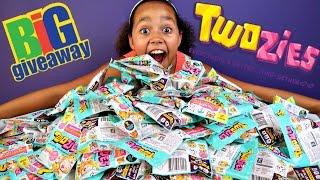 getlinkyoutube.com-1.5 MILLION SUBSCRIBERS! Huge Surprise Twozies Giveaway! Toys AndMe ❤️
