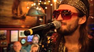 "Crystal Fighters ""You and I"" @ ""Inas Nacht""/ARD"