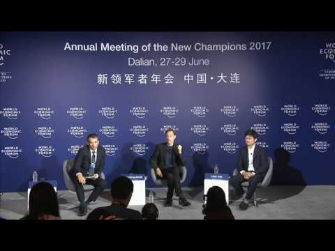 China 2017 - Press Conference: Artist Daan Roosegaarde Announces plans for the Smog-Free Bicycle