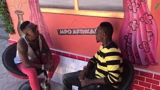 Mshindi wa Club LA leo Show Omary Tingwan (Tingwa) alivyowasili Ndan ya Mpoafrika akiwa na Papaa.
