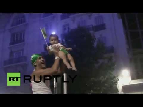 France: Algeria fans run riot in Marseille