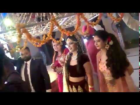 Indian Bride Dancing to Saiyaan Superstar | Best Bride Entrance | Simran Mann