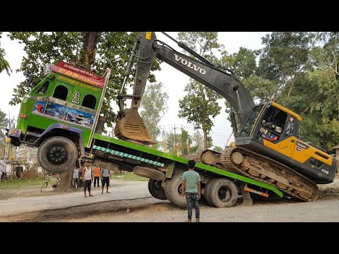 Amazing Video ! Volvo Excavator Uploading in Truck By Experience Driver - Dozer Video
