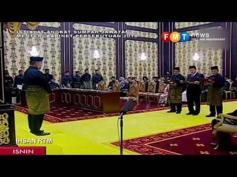 14 ahli Kabinet Dr M angkat sumpah di depan Agong