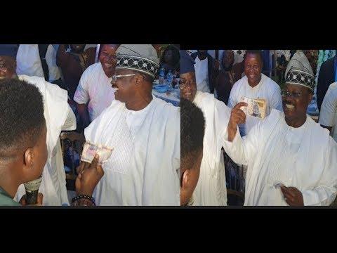 Sharp Guy! Comedian Dash Ex Governor Ajimobi #500 As He Gave Him Hundred Thousand Naira In Return