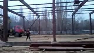 Металлические конструкции в процессе монтажа(Монтаж металлических конструкций. Компания