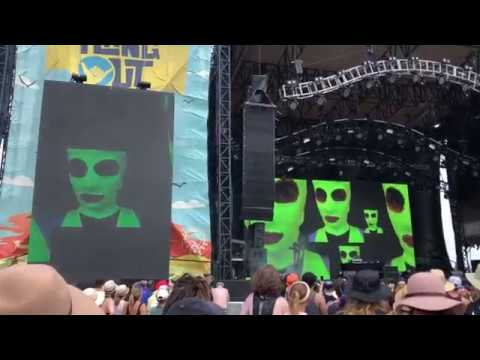 25 Fact Intro & Organs - Pussy Riot (Live at Hangout Fest 2018 - 5/18/18)