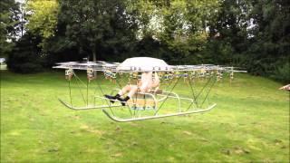 Мужик изобрел летательный аппарат из садовой табуретки, зонта и 54-дронов