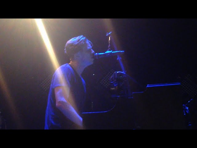 onerepublic-apologize-stay-with-me-sam-smith-cover-live-prague-14-11-2014-happily