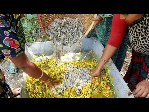How To Cook Tiny Fish? Tasty Small Fish & Vegetables Mixed Curry Cooking By Village Women