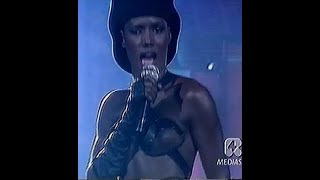 GRACE JONES - Love On Top Of Love (Festivalbar 1989 Italy)
