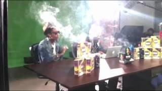 Snoop Dogg and Wiz Khalifa smoking weed on the GGN shoot