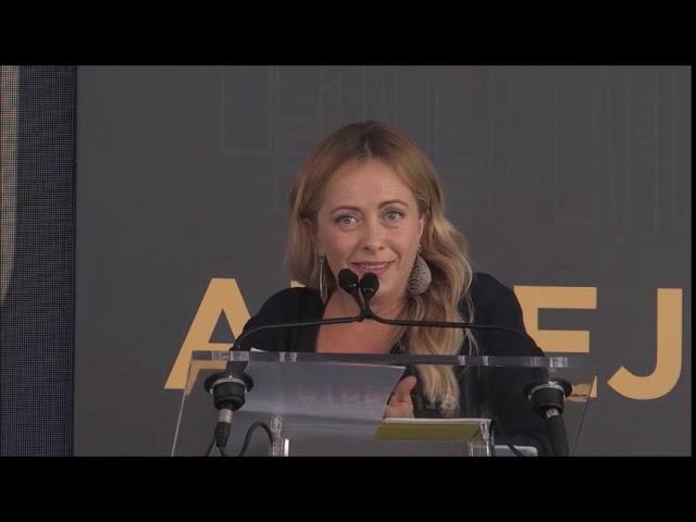 Meloni: Macron non ci venire a fare lezioni perchè l'Africa scappa da voi...