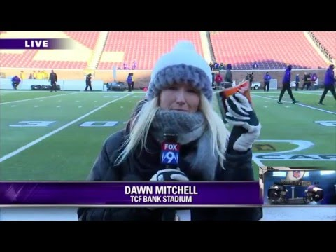 Dawn Mitchell Goes 1-on-5 w/ the Vikings Offensive Line