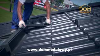 Prace przy budowie dachu firmy Braas w Domu Modelowym.