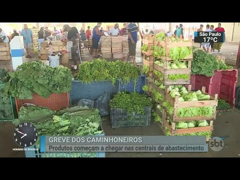 Caminhões começam a chegar às centrais de abastecimento de alimentos | SBT Brasil (29/05/18)