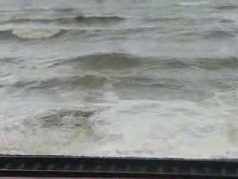 21 10 2011 море бурлит