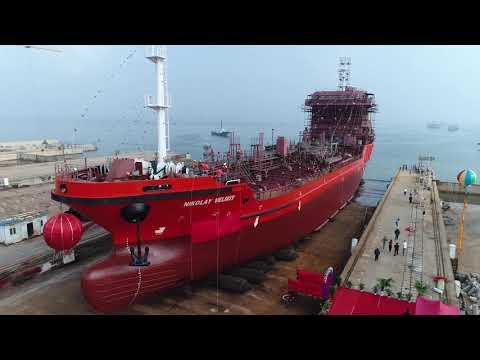 Спуск на воду танкера НИКОЛАЙ ВЕЛИКИЙ
