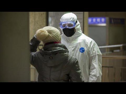 euronews (em português): China fecha 10 cidades devido a coronavírus