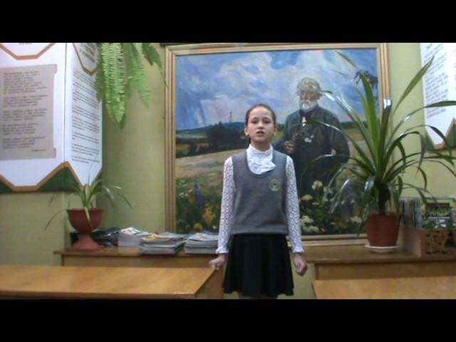Изображение предпросмотра прочтения – ВикторияАндросова читает отрывок изпроизведения «Бородино» М.Ю.Лермонтова