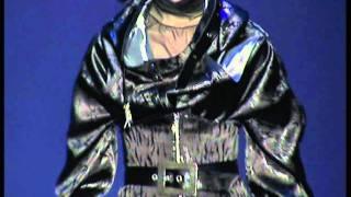 АМАЛЬГАМА показ1 Julia Sindrevich(http://www.juliasindrevich.ru Показ на Неделе моды в Москве. Коллекция «АМАЛЬГАМА» Атмосфера коллекции: вода и луна...., 2011-11-16T11:17:04.000Z)