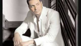 Watch Victor Manuelle La Escena video