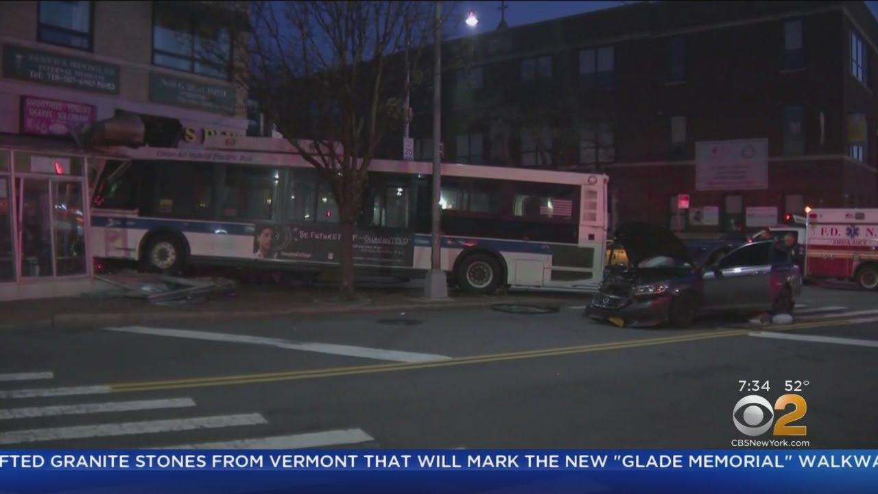 Q18 Bus crash in Woodside, Queens @ Little Caesars; 1 injured Q Bus Map on