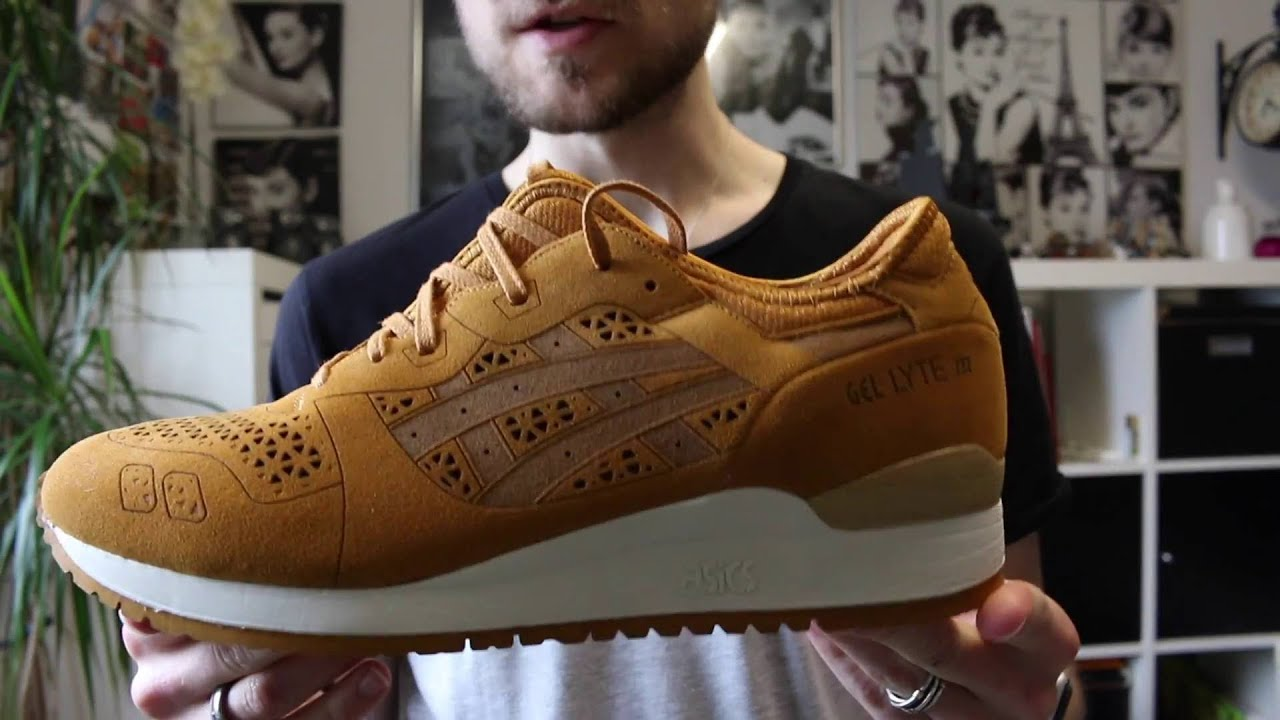 asics color camel