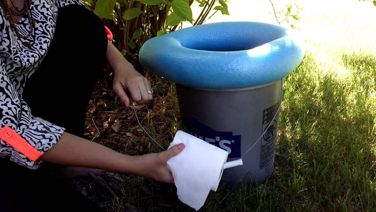 Camping Hacks DIY 5 Gallon Bucket Toilet