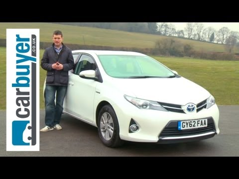 Toyota Auris hatchback 2013 review - CarBuyer
