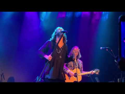 The Black Crowes She Talks to Angels