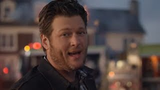 Смотреть клип Blake Shelton - Doin' What She Likes