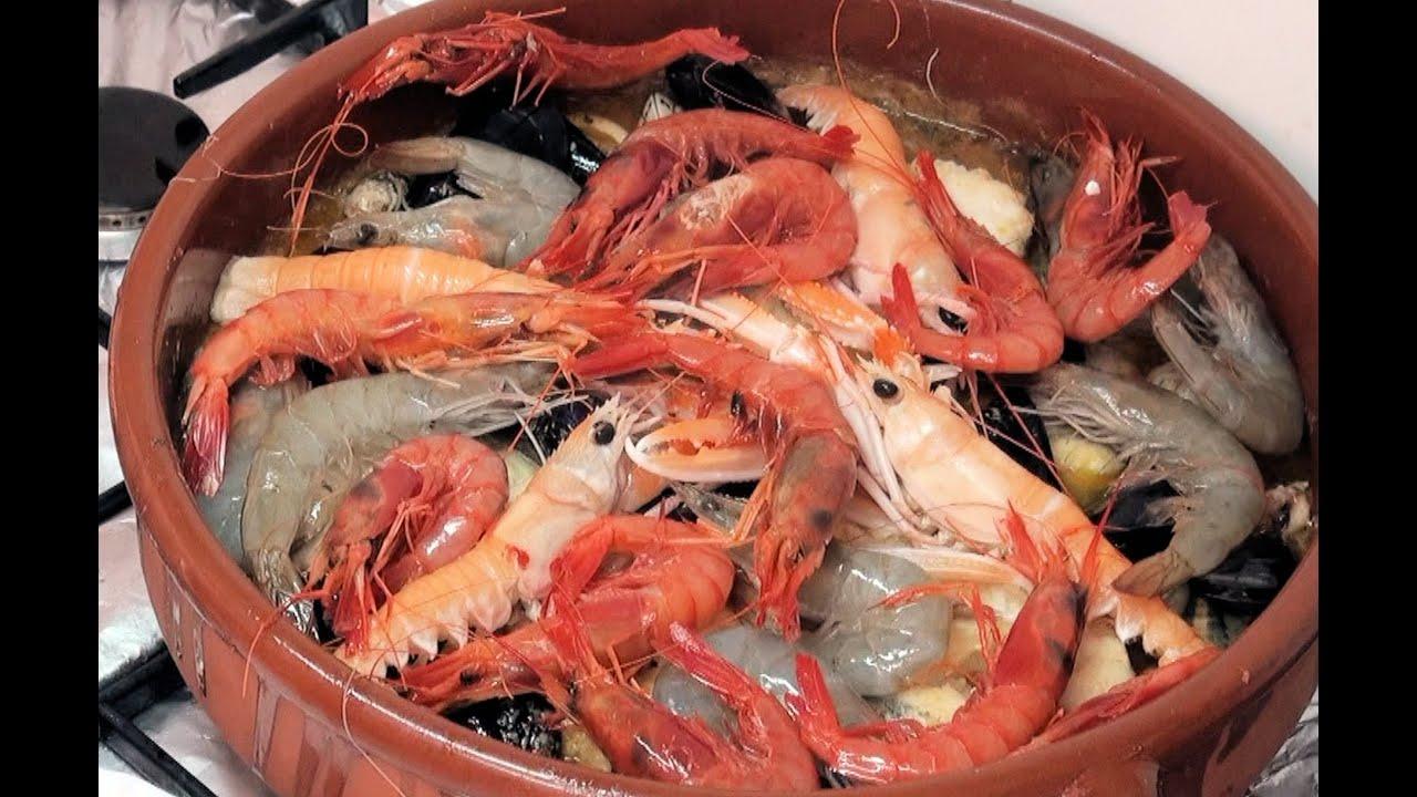 Zarzuela de pescado y marisco v deo receta 24 aqu for Canelones de pescado y marisco