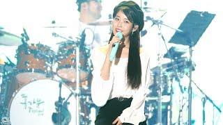 [4K] 180519 아이유 '나의 옛날 이야기' 직캠 IU fancam 'My Old Story' (삼성카드 홀가분 페스티벌) by Jinoo