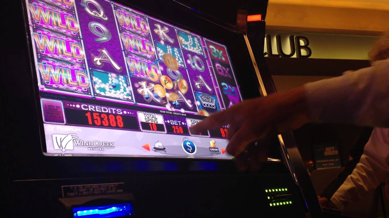 Pearl Dynasty Slot Machine