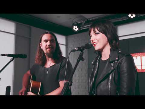 Halestorm cover Led Zeppelin - That's The Way (Planet Rock Live Session)