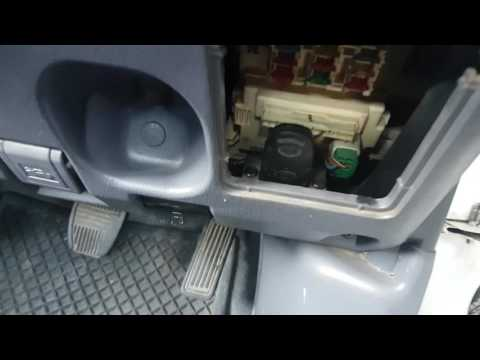 Car remote blocker - anti car-jamming device