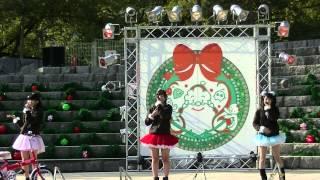 香川県出身の三人組全国のミニステージに出演、 今や超人気のアイドルで...