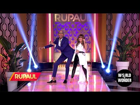 C-Rob Blog (58472) - Why Does Paula Abdul Keep Saying She Was in a Plane Crash in 1992?