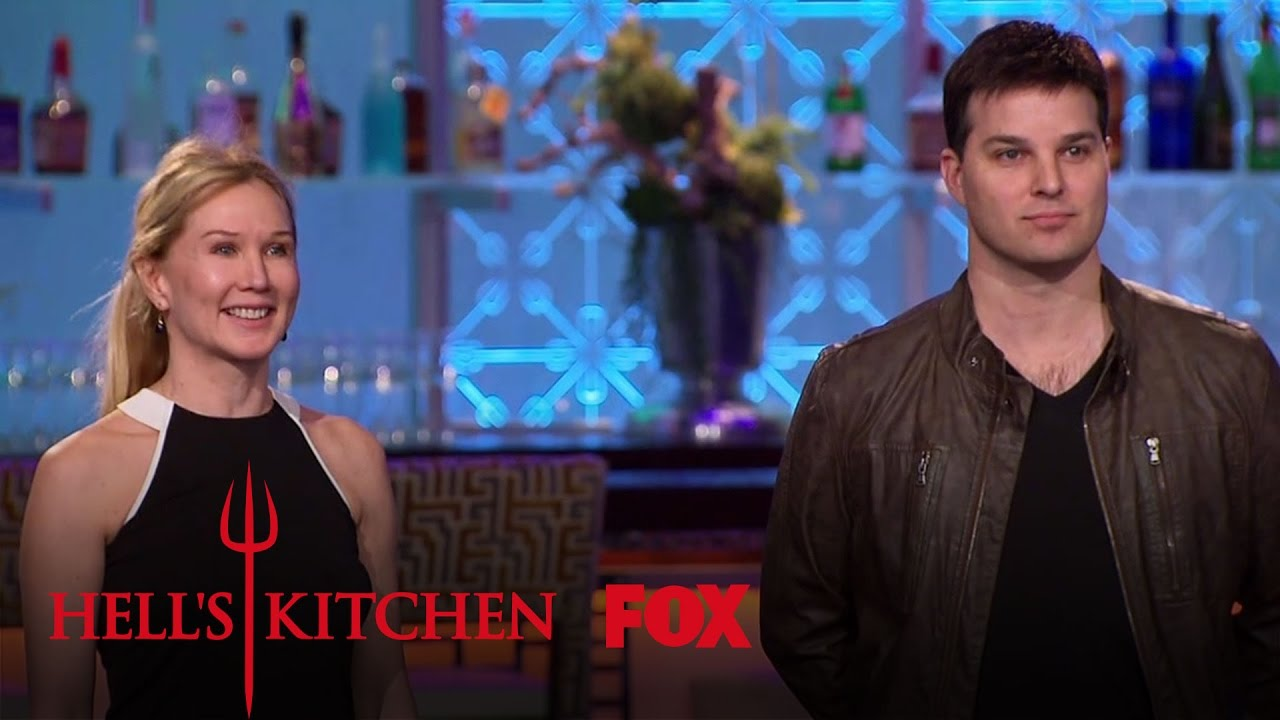 Gordon ramsay introduces jonathan roberts michelle for Watch hell s kitchen season 16