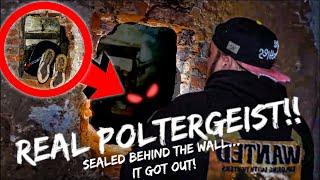 REAL Poltergeist activity caught on camera (3am PLEASE GET ME OUT OF HERE)