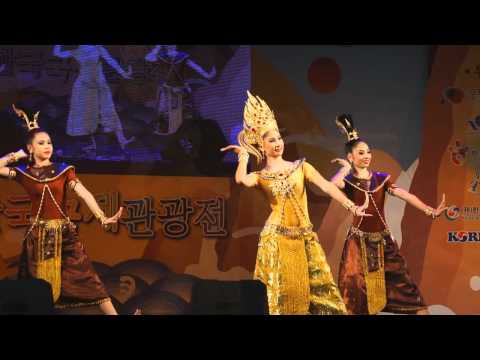 Traditional dance of Thailand.