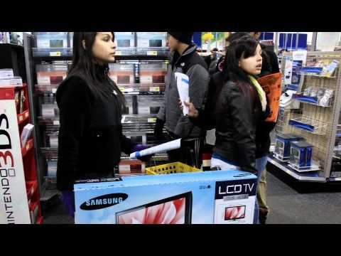 Consumer Holiday Spending Boosts Economy