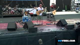 """Keller Williams Performs """"Can"""