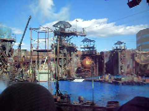 Universal Studio's Waterworld Plane Crash