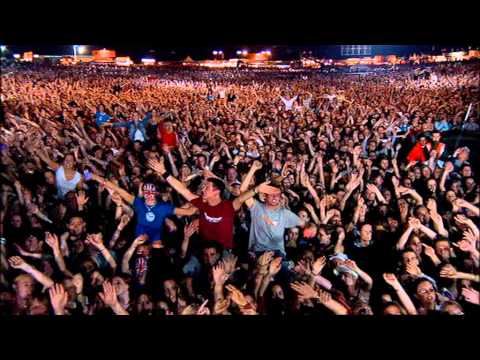 Robbie Williams - Angels ( Live at Knebworth )